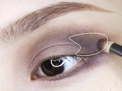 Nhấn đậm hơn ở vùng chữ T sau đuôi mắt