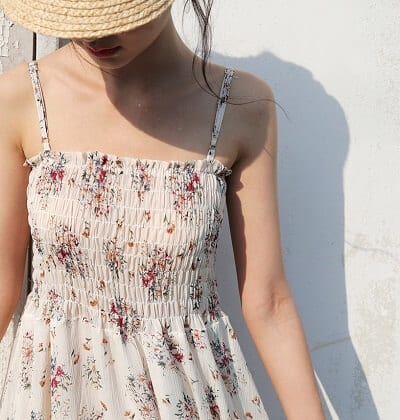 Áo 2 dây chun chỉ ngực hoạ tiết hoa đi biển