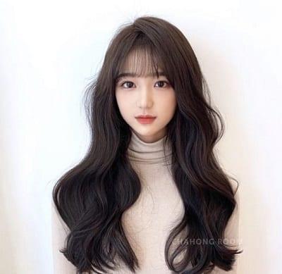 Tóc dài xoăn gợn sóng Hàn Quốc cho gương mặt hình chữ nhật