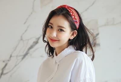Những kiểu băng đô turban lại khiến bạn trông lạ mắt hơn, bụi bặm và cá tính hơn hẳn