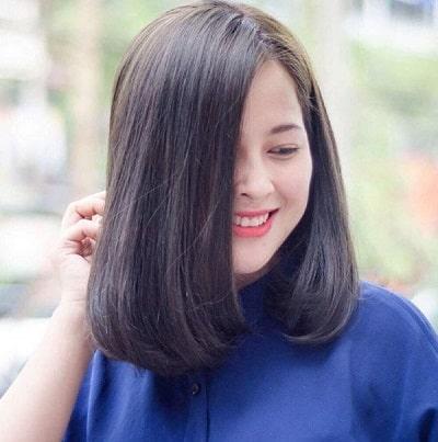 Tôn lên nét dịu dàng cho khuôn mặt với kiểu tóc lob duỗi phồng