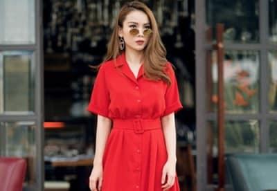 Đầm sơ mi đỏ, thắt lưng bản to cực kỳ nổi bật và sang chảnh