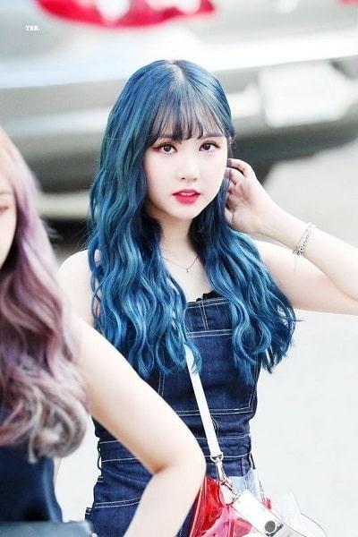 Eunha tự tin với màu tóc xanh trầm
