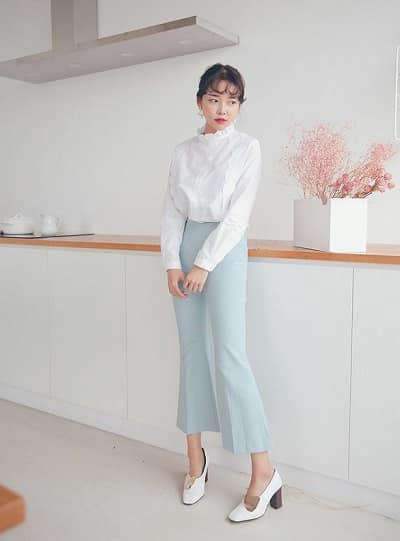 Áo blouse sẽ đem đến cho các quý cô một phong cách thời trang nữ tính và điệu đà