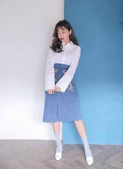 Chân váy chữ A dáng dài cũng là sự lựa chọn của nhiều cô gái