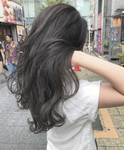 """Rolly Perm là kiểu tóc uốn xoăn nổi bật đang """"làm mưa làm gió"""" hiện nay."""