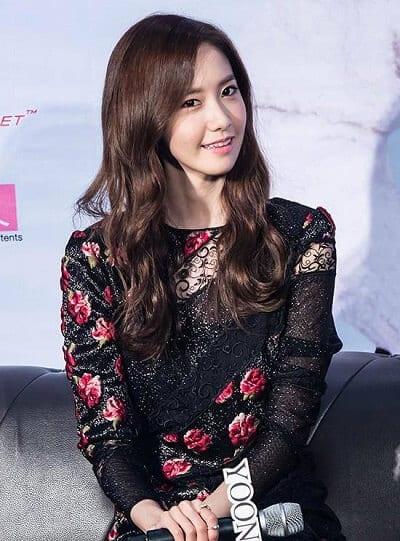 Yoona của SNSD là một fan của kiểu tóc này.