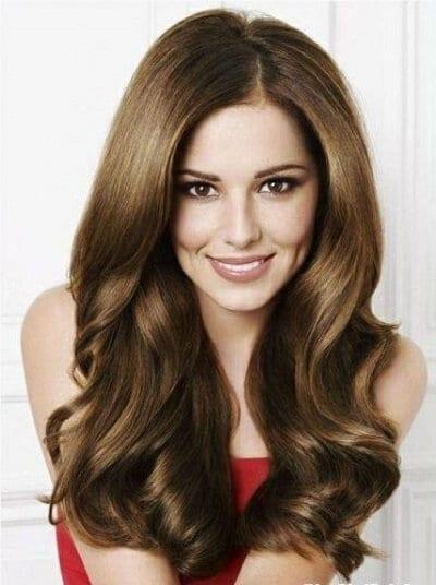 Với mái tóc dài mỏng chính là kiểu tóc tuyệt vời nhất . Bởi Kiểu xoăn nhuyễn này sẽ làm tóc trông có độ dày, bồng bềnh hơn.