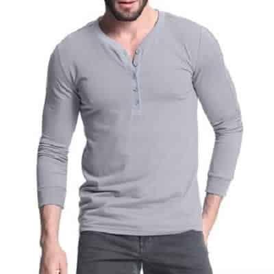 Kiểu áo này góp phần tôn dáng cho các bạn nam