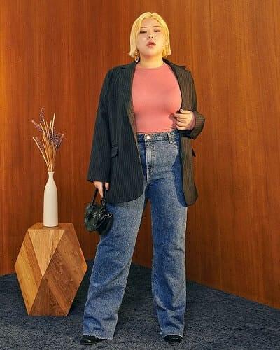 Quần jeans ống đứng rất thích hợp cho những nàng chân to.