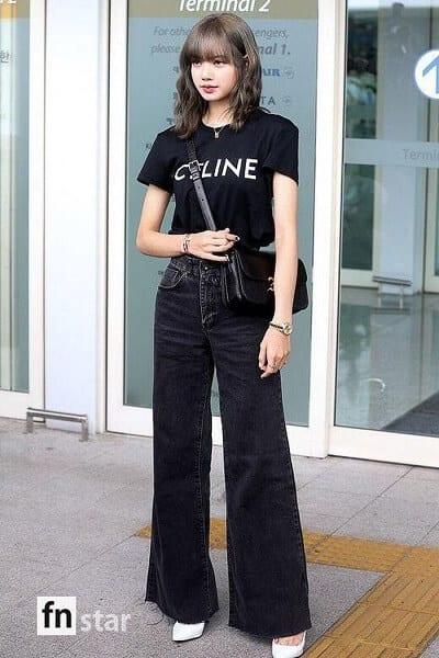 Cách tạo dáng cũng như đẳng cấp phối đồ của Lisa chẳng khác gì fashionista.