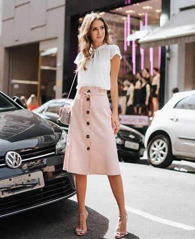 Chân váy chữ A đính nút hồng pastel