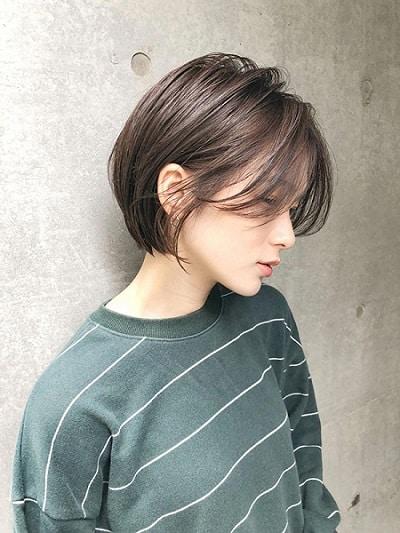 Tóc ngắn mái xéo dài