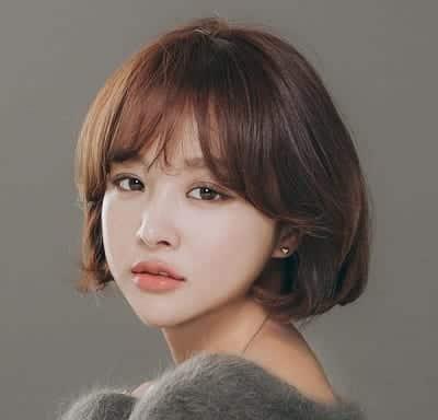 Mẫu tóc ngắn Hàn Quốc để mái ngố