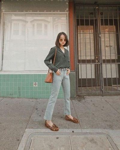 Quần jeans Ulzzang mix cùng áo sơ mi tay dài