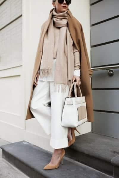 Tone màu trung tín beige chanh xả cho những cô nàng công sở đam mê thời trang.
