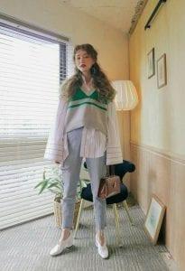 Các quý cô thấp bé chớ bỏ qua chiếc áo gile len dáng croptop. Đây là vũ khí lợi hại giúp chị em nấm lùng trông cao hơn đấy.