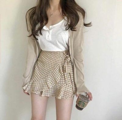 Áo cardigan đẹp mà mix cùng chân váy ngắn - Ảnh 3