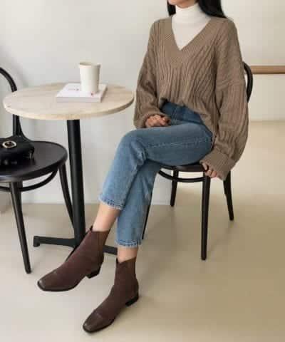 Cách phối áo len cổ lọ cùng với áo sweater - Ảnh 1