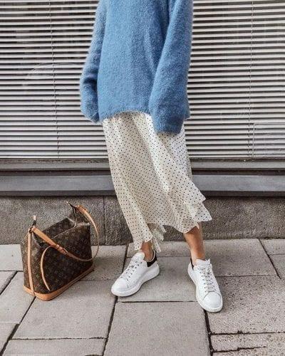 Áo sweater + Chân váy midi: Ảnh 3