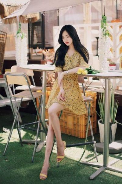 xu hướng váy hoa váy voan họa tiết