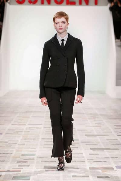 Ruth Bell mở màn cho buổi ra mắt BST Dior Thu – Đông 2020