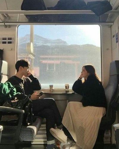 Đồ đôi đi du lịch đẹp theo phong cách Hàn Quốc - Ảnh 1