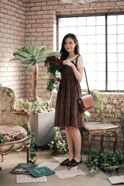 Slip dress kết hợp cùng áo thun - Ảnh 2