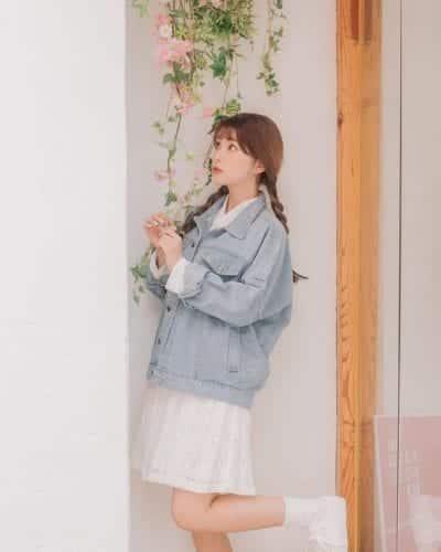 Áo khoác denim/jean là mẫu áo khoác thu đông hot hit nhất - Ảnh 3