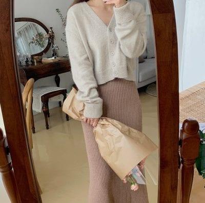 Áo cardigan mix chân váy len - Ảnh 2