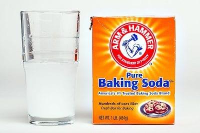 Dùng Baking Soda khử mùi hôi chân