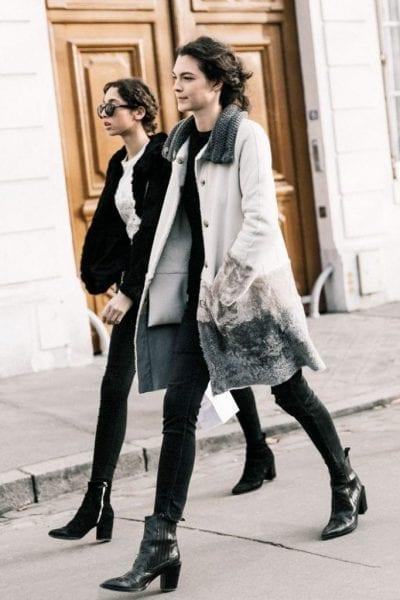 Giày ankle boots được phối tinh tế và thời trang với quần jeans