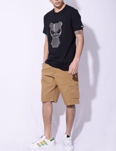 Áo thun nam hoạ tiết phối với quần sooc màu be