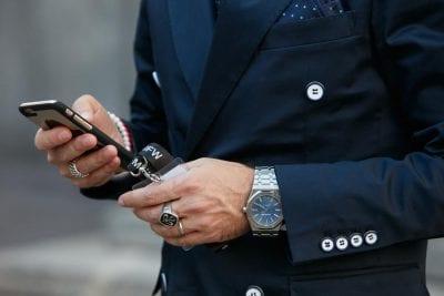 Ba chiếc nhẫn ở cả hai bàn tay là số lượng an toàn