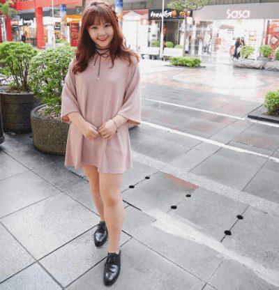 Đầm suông màu tím hồng