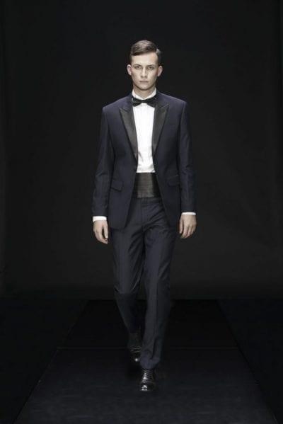 Luôn ghi nhớ sử dụng nơ lụa hoặc cavat khi mặc Tuxedo