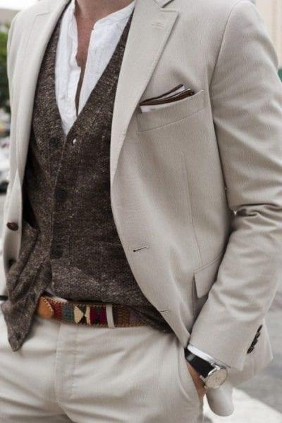 Dáng chuẩn khá dễ mix trang phục cho nam.