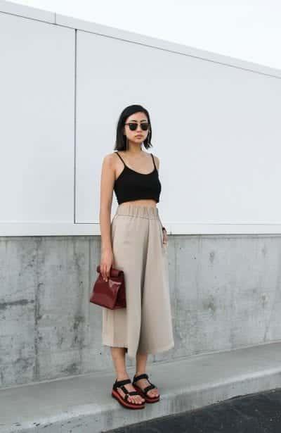 Áo hai dây croptop và quần culottes cho những ngày hè nóng bức, một sự kết hợp phóng khoáng và trẻ trung