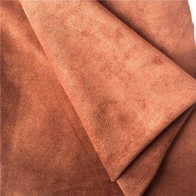 Nguyên liệu sản xuất da lộn là da cừu, da heo và da bò