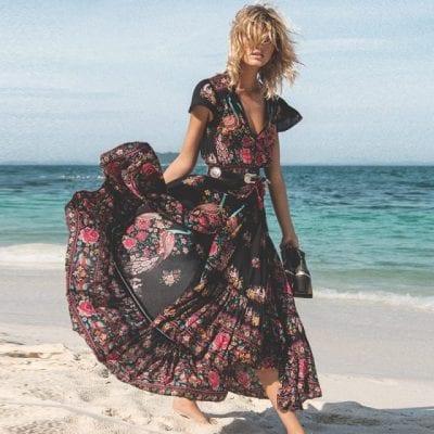 Thích thú với kiểu váy voan mặc đi biển