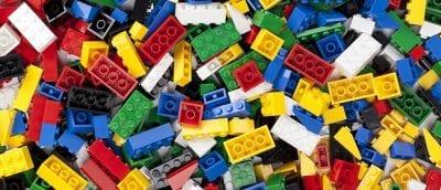 Lego – Một trong những món đồ chơi mang đến sự vui vẻ cho những chàng