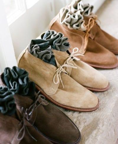 Những đôi tất neutral cũng được coi là sự lựa chọn an toàn và thời trang cho các chàng trai