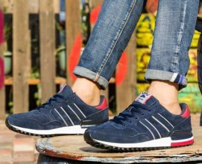 Giày thể thao màu xanh Navy là lựa chọn mới mẻ, trẻ trung