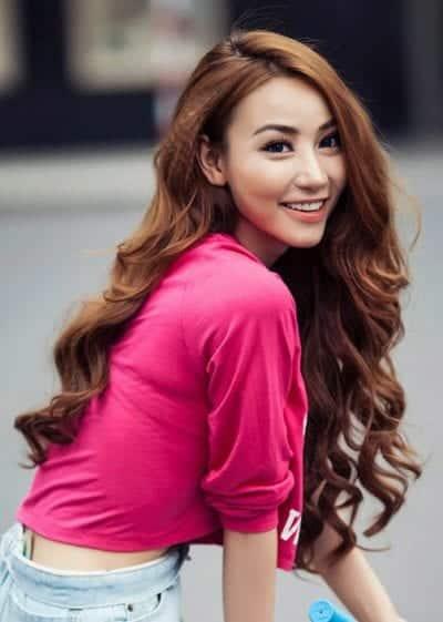 Tóc dài xoăn