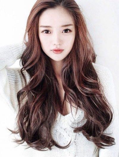 Kiểu tóc dài uốn đẹp nhất năm 2020 - Ảnh 19