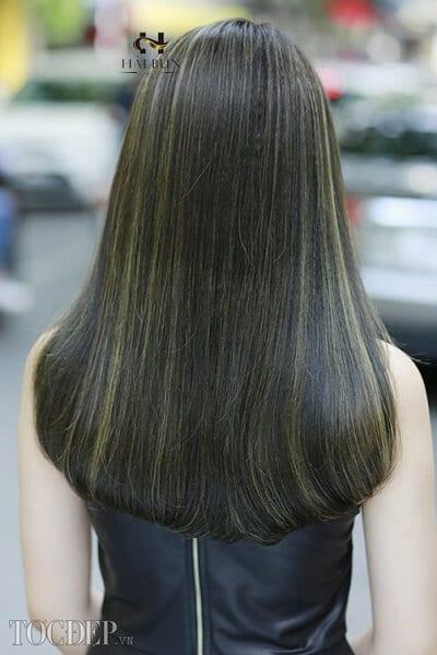 Tóc dài màu xanh rêu