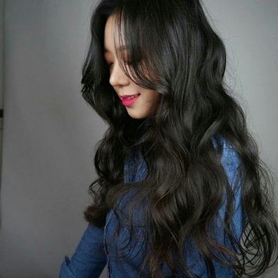 Tóc uốn màu đen