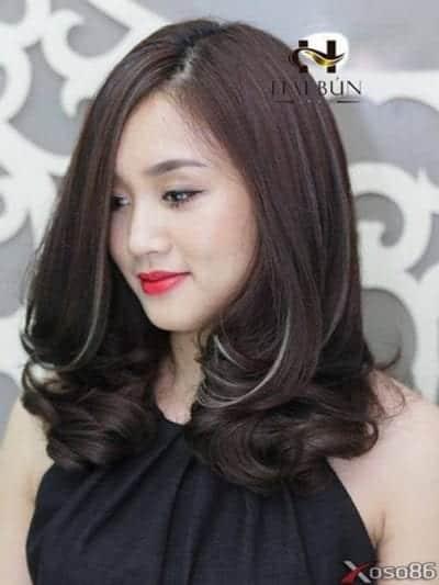 Kiểu tóc xoăn lọn to đẹp nhất năm 2020 - Ảnh 1