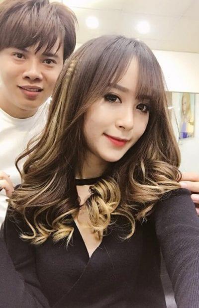 Kiểu tóc xoăn lọn to đẹp nhất năm 2020 - Ảnh 16
