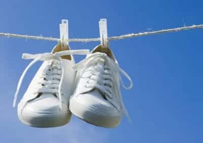 Luôn giữ cho đôi giày của bạn khô và sạch sẽ